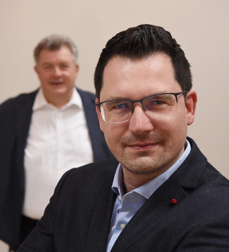 Hörakustik Senft - Firmengründer Herr Senft und sein Sohn, der das Geschäft übernommen hat